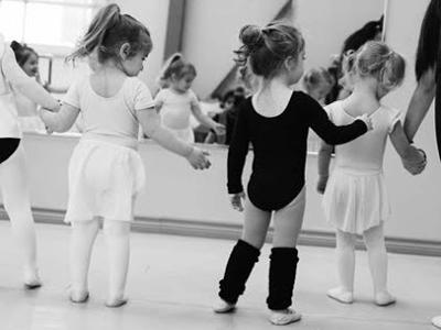 Mini-Manó Ovis modern tánc